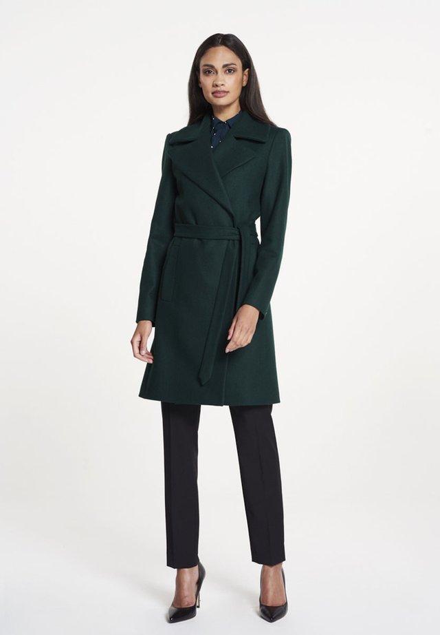 Mantel - dark green