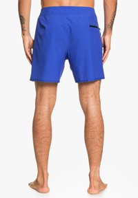 Quiksilver - HIGHLINE KAIMANA - Swimming shorts - dazzling blue - 2