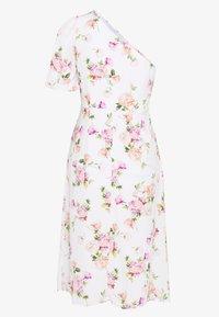 Miss Selfridge Petite - ONE SHOULDER OCCASION DRESS - Robe d'été - ivory - 1