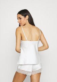 LingaDore - Pyjama set - ivory - 2