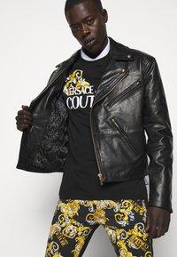 Versace Jeans Couture - Veste en cuir - nero - 8