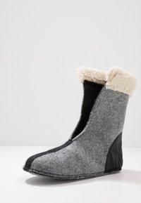 Sorel - CARNIVAL - Snowboots  - black/stone - 7