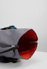 adidas Originals - ROLLTOP - Rucksack - onix - 4
