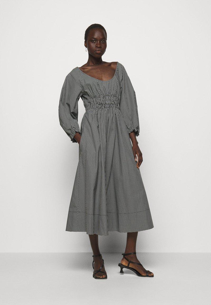 Proenza Schouler White Label - YARN DYE PLAID DRESS - Day dress - black/white
