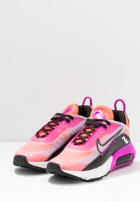 Nike Sportswear - AIR MAX 2090 - Sneakers basse - iced lilac/black/fire pink/flash crimson/summit white/anthracite - 4