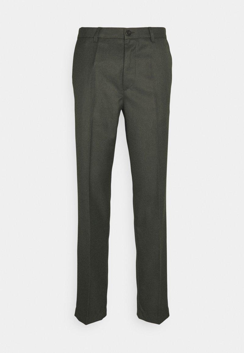 forét - POND SUIT PANTS - Pantalon classique - dark olive