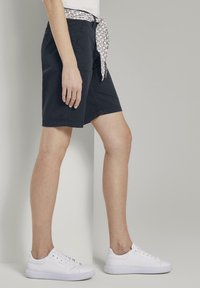 TOM TAILOR - BERMUDA - Shorts - sky captain blue - 3