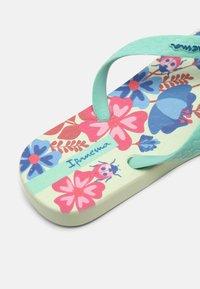 Ipanema - CLASSIC KIDS - Pool shoes - green/pink - 6