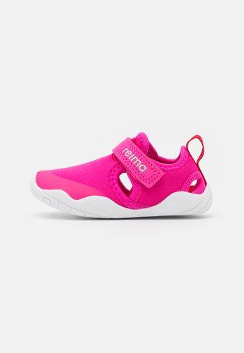 RANTAAN UNISEX - Walking sandals - fuchsia pink