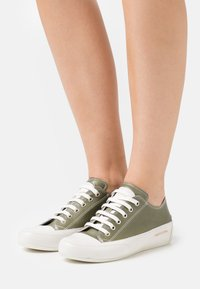 Candice Cooper - ROCK - Trainers - kaky/panna - 0