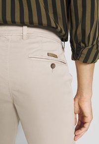 Baldessarini - JOERG - Shorts - beige - 3