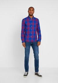 TOM TAILOR DENIM - CHECK AND STRIPE SHIRTS - Koszula - blue/red - 1