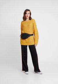 New Look - LEAD INLONG LINE - Pullover - oche - 1