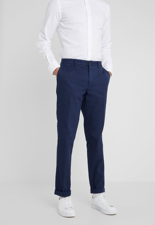 RAISED - Pantalones chinos - blazer