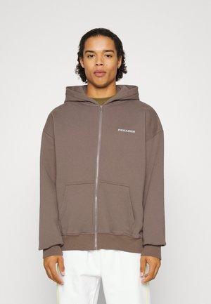 LOGO OVERSIZED UNISEX - Zip-up sweatshirt - washed earth