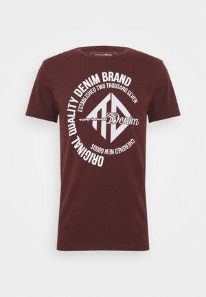 COINPRINT - Print T-shirt - decadent bordeaux