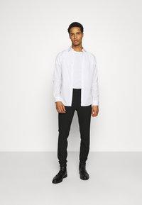 Matinique - LIAM PANT - Pantaloni - black - 1