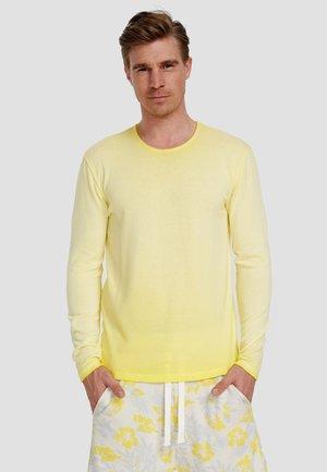 Long sleeved top - illuminatting yellow
