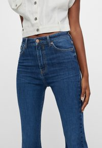 Bershka - Jeans bootcut - blue - 3