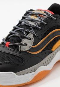 Vans - BRUX  - Skate shoes - black/drizzle - 6