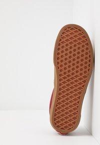 Vans - ERA - Sneakersy niskie - rosewood/true white - 4