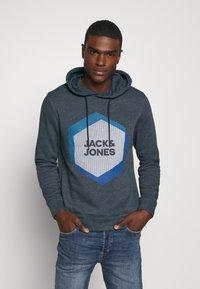 Jack & Jones - JCOCOOL  - Hoodie - navy blazer - 0