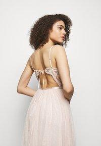 Needle & Thread - EMMA DITSY BODICE CAMI MAXI DRESS - Společenské šaty - strawberry icing - 3