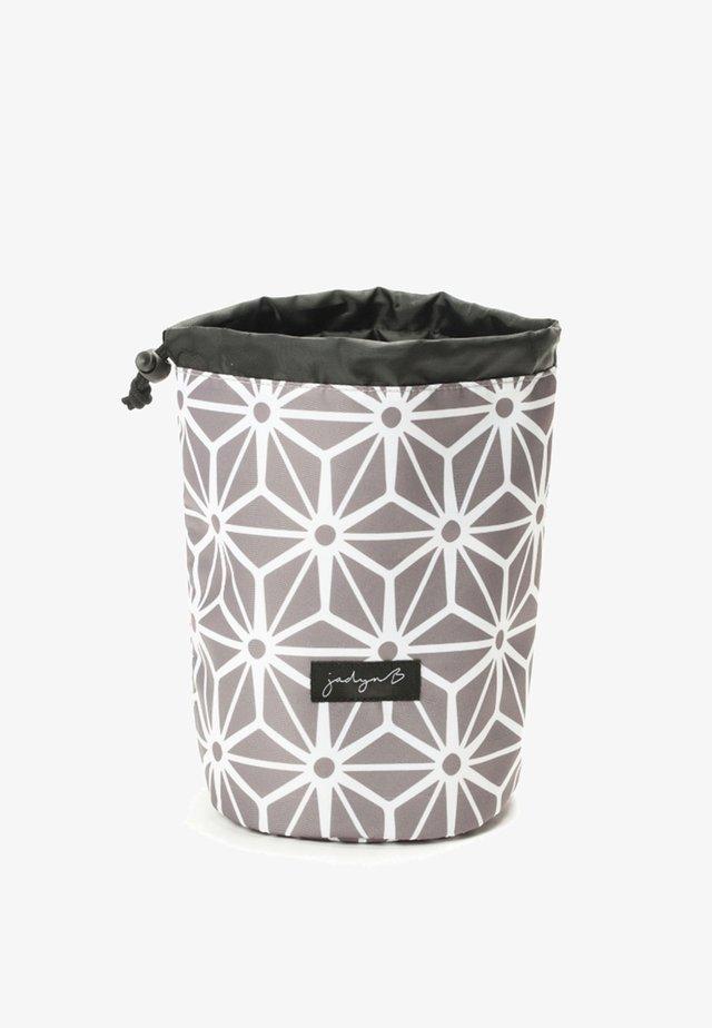 TOP COMPACT TRAVEL - Toilettas - geometric gray