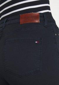 Tommy Hilfiger - STRETCH PANT - Jeans Skinny Fit - desert sky - 4