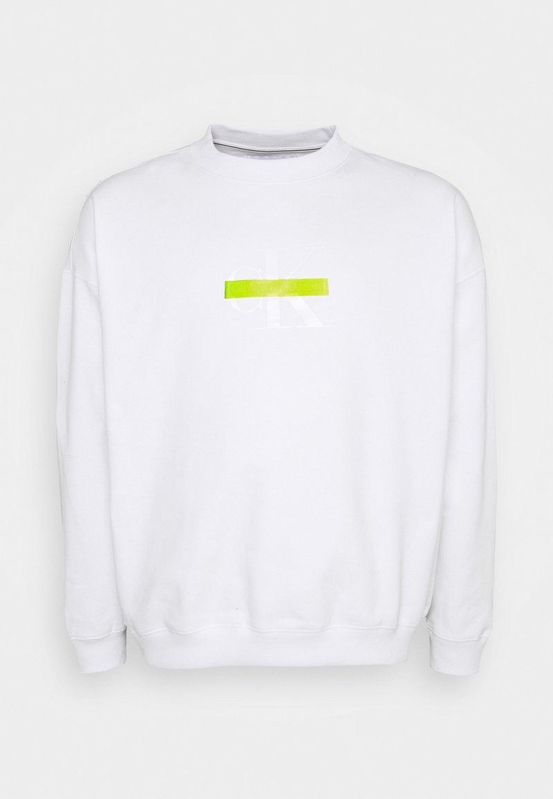 Calvin Klein Jeans Plus - RELAXED FIT CREW - Sweatshirt - bright white