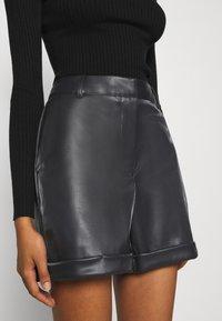 Vero Moda - VMLIA  - Shorts - black - 5