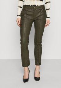 DAY Birger et Mikkelsen - DOGUNA - Leather trousers - deep - 0