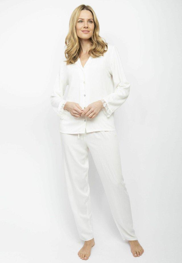 Pyjamas - cream