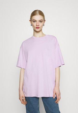 CISSI TEE - Print T-shirt - lilac purple light