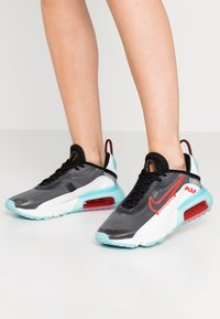 Nike Sportswear - AIR MAX 2090 - Sneaker low - black/chile red/bleached aqua/summit white - 0