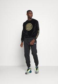 Glorious Gangsta - MARENOCREW - Sweatshirt - black - 1