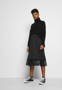Vila - VIMOON MIDI SKIRT FULL - A-line skirt - black - 1