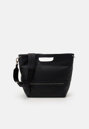 SATCHEL - Bolso de mano - black