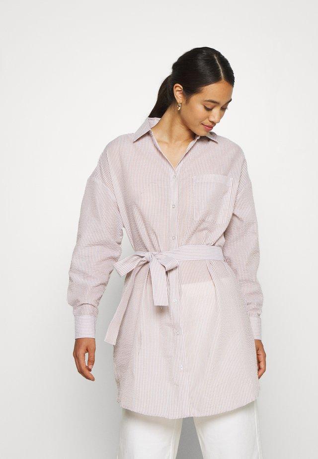 CASUAL SHIRT DRESS - Skjortekjole - beige