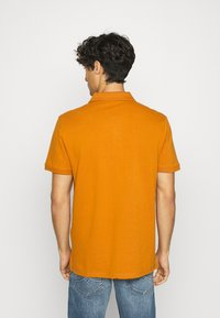 TOM TAILOR - WITH CONTRAST - Polo shirt - spicy pumpkin orange - 2