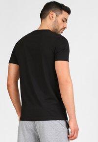 Jack & Jones - JACBASIC CREW NECK TEE 2 PACK  - Undershirt - black - 2
