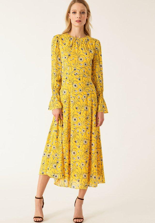 Maxiklänning - sun yellow