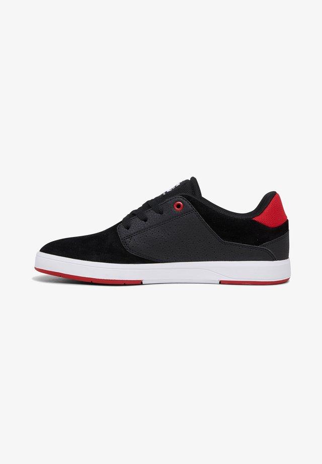 PLAZA - Baskets basses - black/red