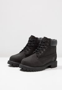 Timberland - ICONIC CLASSICS 6 INCH PREMIUM WP BOOT - Lace-up ankle boots - schwarz - 2