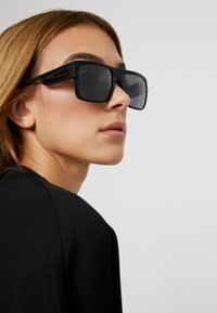 Marc Jacobs - Occhiali da sole - black - 3