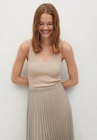 Mango - BREEZE-A - Pleated skirt - beige - 4