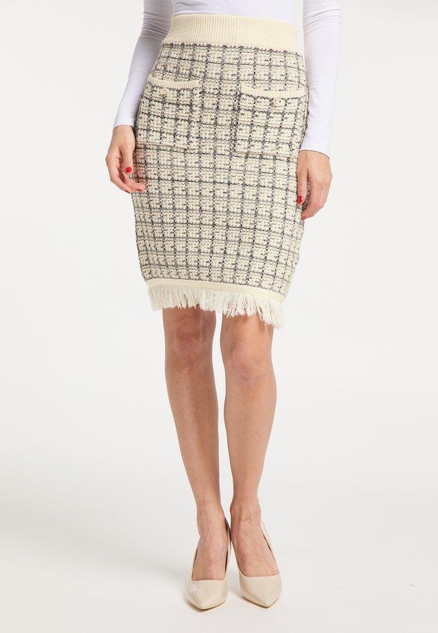 Blyantnederdel / pencil skirts - wollweiss