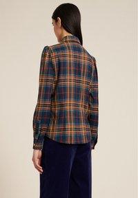 Luisa Spagnoli - LUTER - Button-down blouse - var blu/tabacco - 1