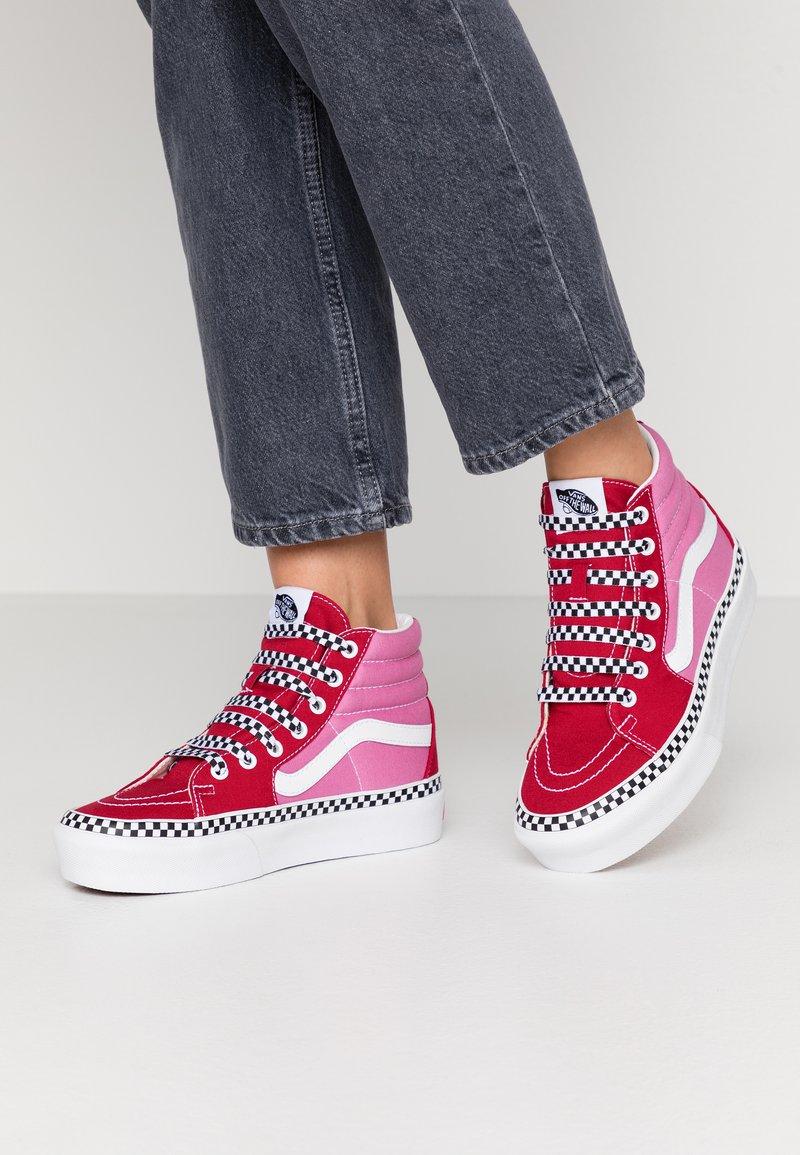 Vans - SK8 PLATFORM  - Sneakers hoog - chili pepper/fuchsia pink