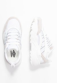 Umbro Projects - NEPTUNE  - Sneakersy niskie - white - 3